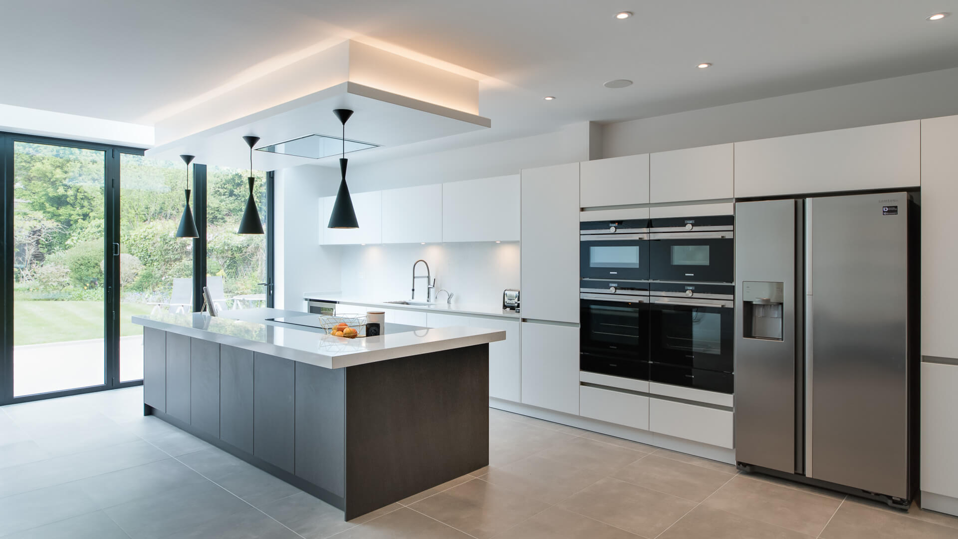 Hendon – Uno Kitchens – Contemporary Bespoke Kitchen Design